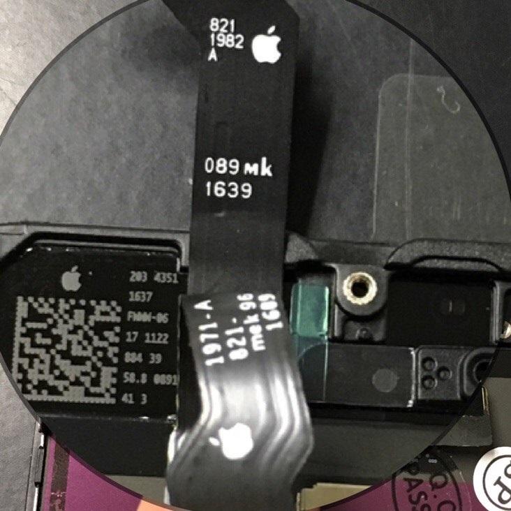 логотип Apple на шлейфах оригинального дисплея iPhone 6