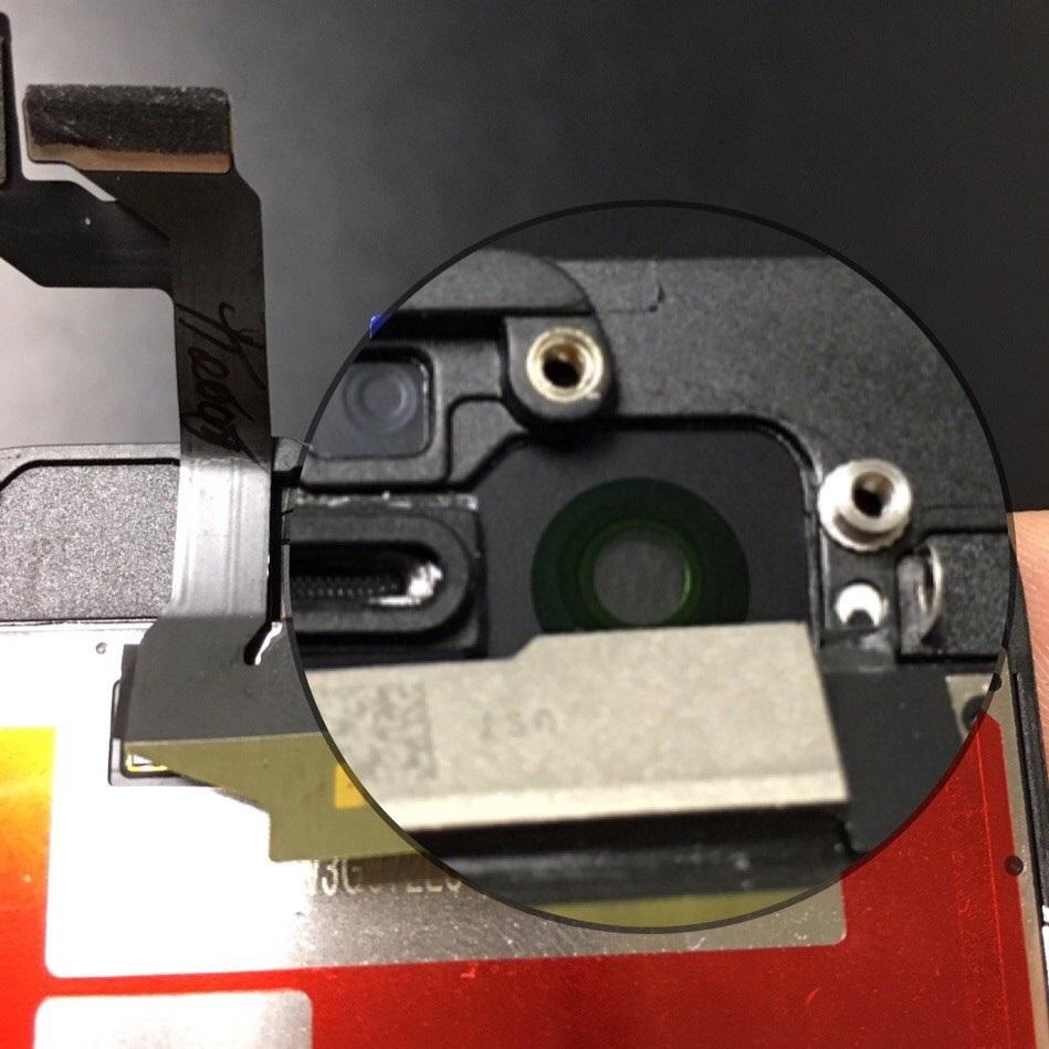 радужный ободок в области датчика света на оригинальном дисплее iPhone 6s